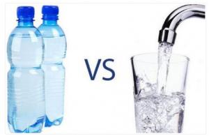 Da li ste se zapitali zašto flaširana voda ima rok trajanja? Ovo je razlog i NEĆE vam se svidjeti!