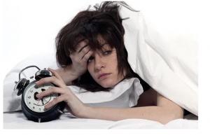 ZAŠTO SE BUDITE UMORNI: 8 grešaka koje činite u svojoj spavaćoj sobi!