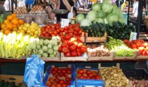 OVO JE NAJOTROVNIJE VOĆE I POVRĆE – toliko se prska pesticidima da ozbiljno šteti zdravlju!