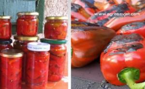 Recept za ukusnu salatu od pečenih paprika u tegli
