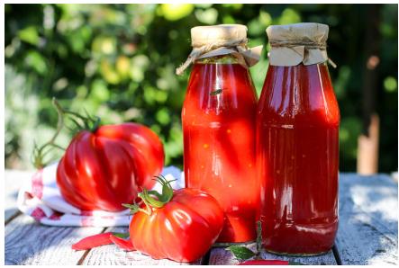 Kuvani paradajz na starinski način: Savršenstvo ukusa bez trunke konzervansa! (RECEPT)